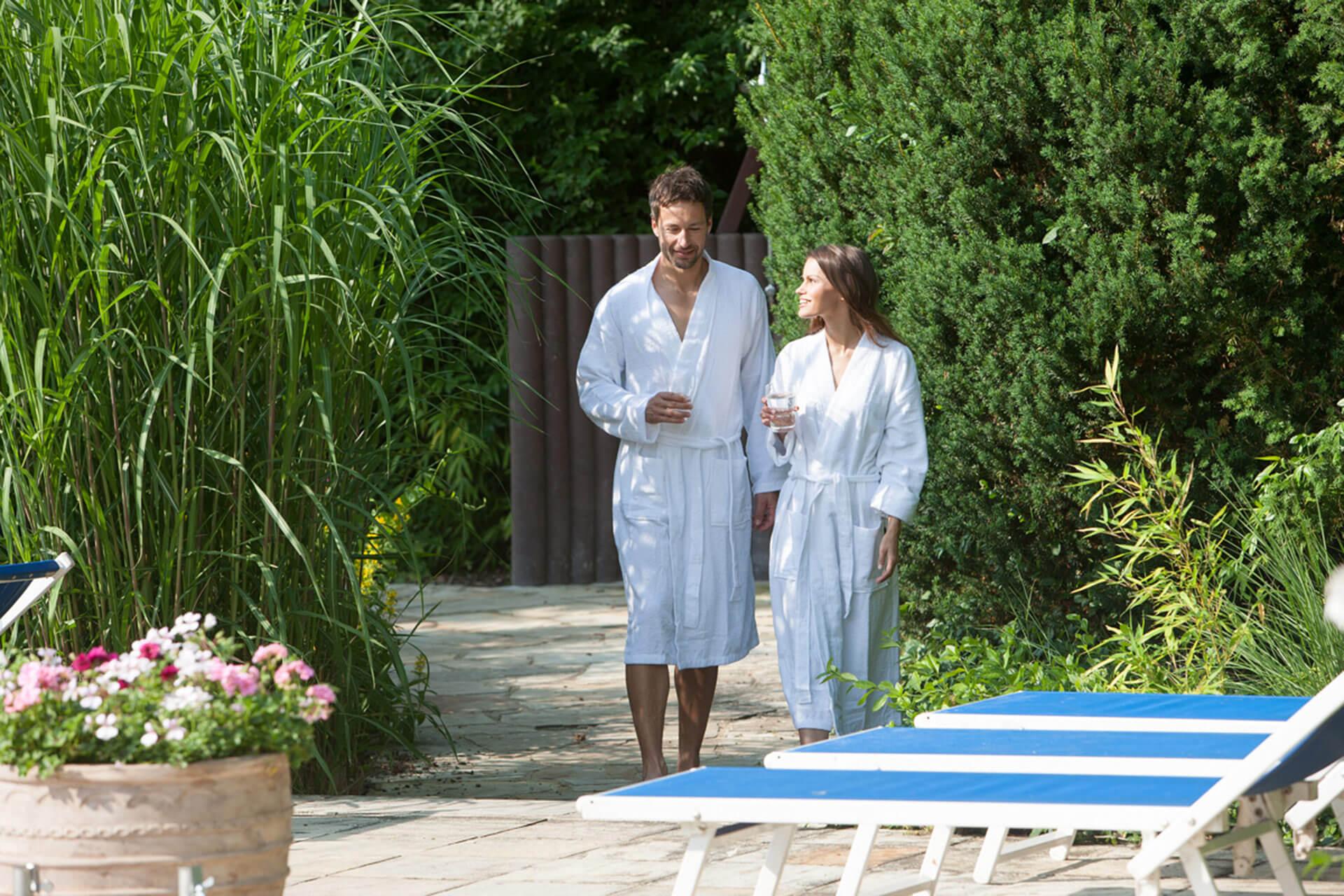 wellness frankfurt sauna massage wellness rhein main therme hessen. Black Bedroom Furniture Sets. Home Design Ideas
